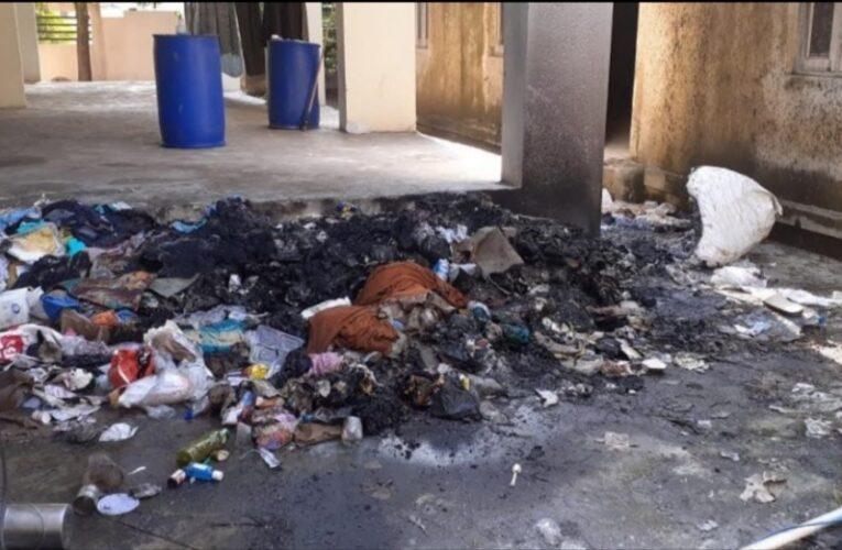 Gondal-Rajkot: ગોંડલ કોવિડ હોસ્પિટલમાં મેડિકલ વેસ્ટ કચરો સળગાવ્યો.