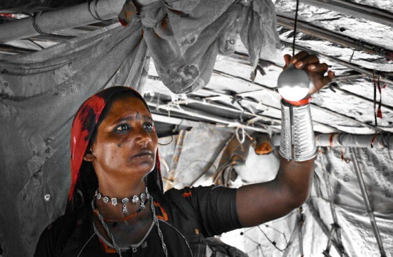 Halvad-Morbi રોટરી ક્લબ ઓફ હળવદે વિચરતી જાતિની આખી વસાહતમાં કર્યા અજવાળાં.