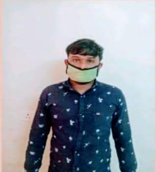Dhoraji-Rajkot ધોરાજી માં વિદેશી દારુના ગુનામાં અગાઉ પકડાયેલા ધોરાજીના વેગડીના ભાવેશ ભોજાભાઇ કોડીયાતર જાતે રબારી નામના આરોપીની અટકાયત કરી પાસા હેઠળ સુરતની લાજપુર જેલ હવાલે કરવામાં આવ્યો.