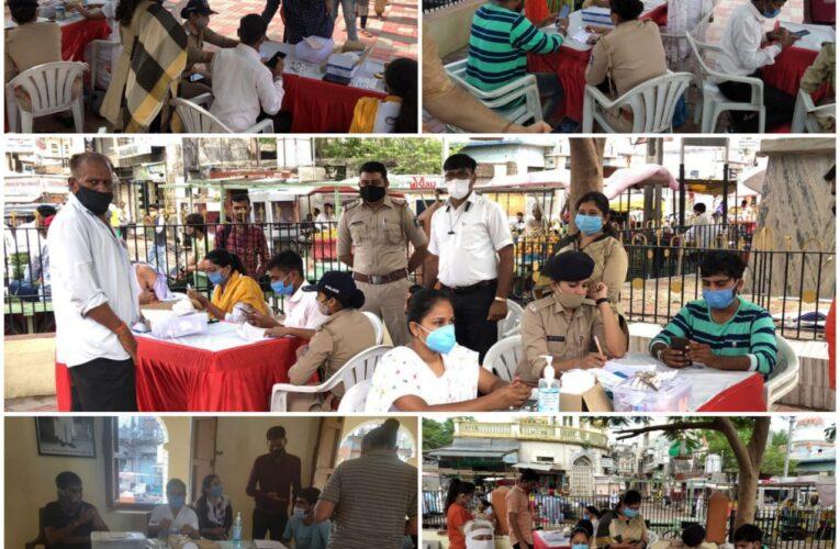 Gondal-Rajkot ગોંડલ સિટી પોલીસ દ્વારા મહાવેકસીનેશન કેમ્પમાં 736 લોકો ને પ્રથમ ડોઝ અપાયો.